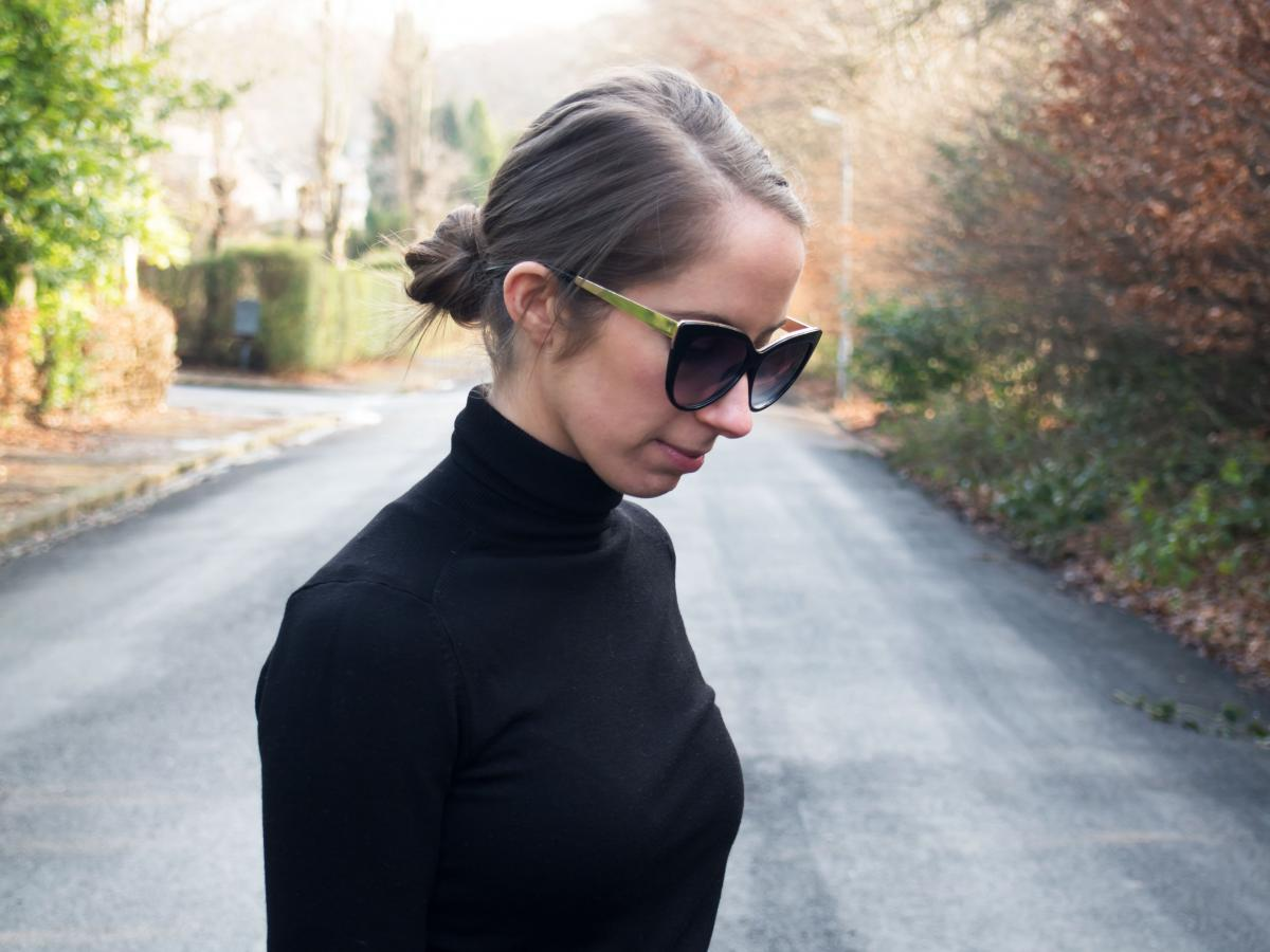 Work-Outfit---All-Black---Petite-Paulina-17