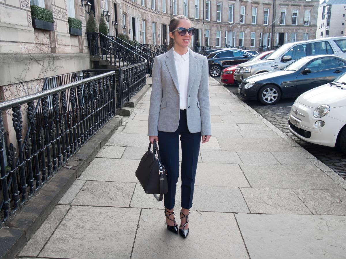 Petite-Paulina---Workwear-Outfit-64