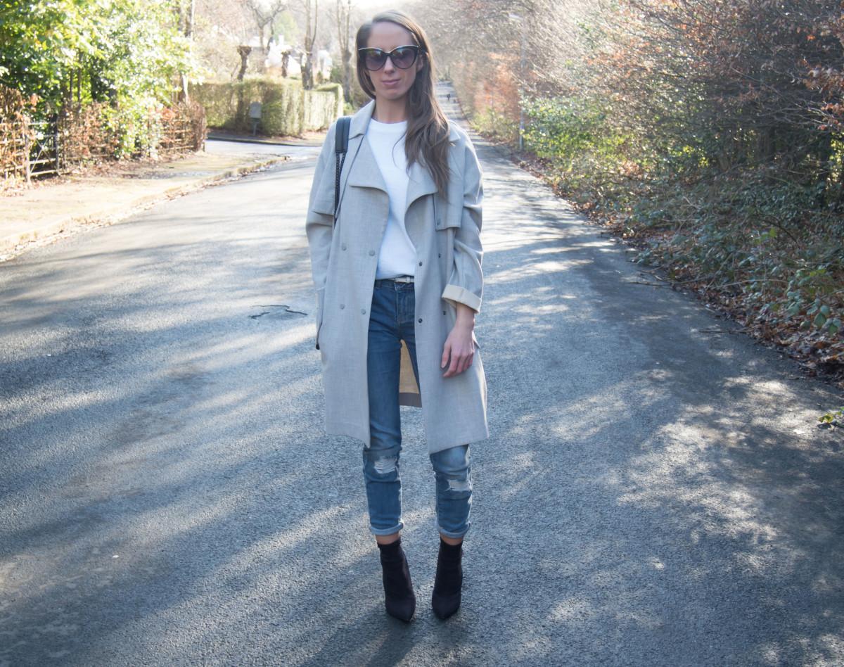 Petite-Paulina---Jeans-White-Tee-20