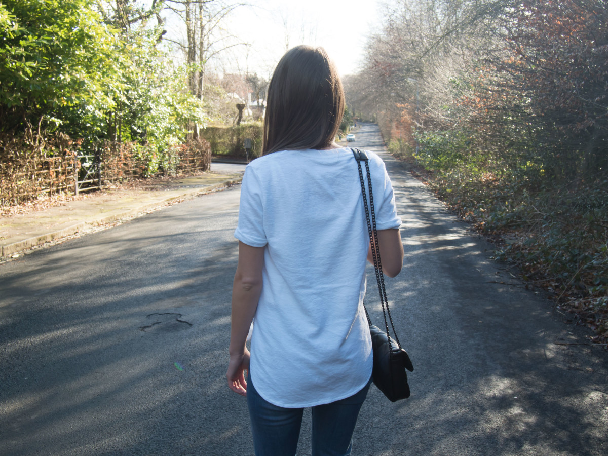 Petite-Paulina---Jeans-White-Tee-4