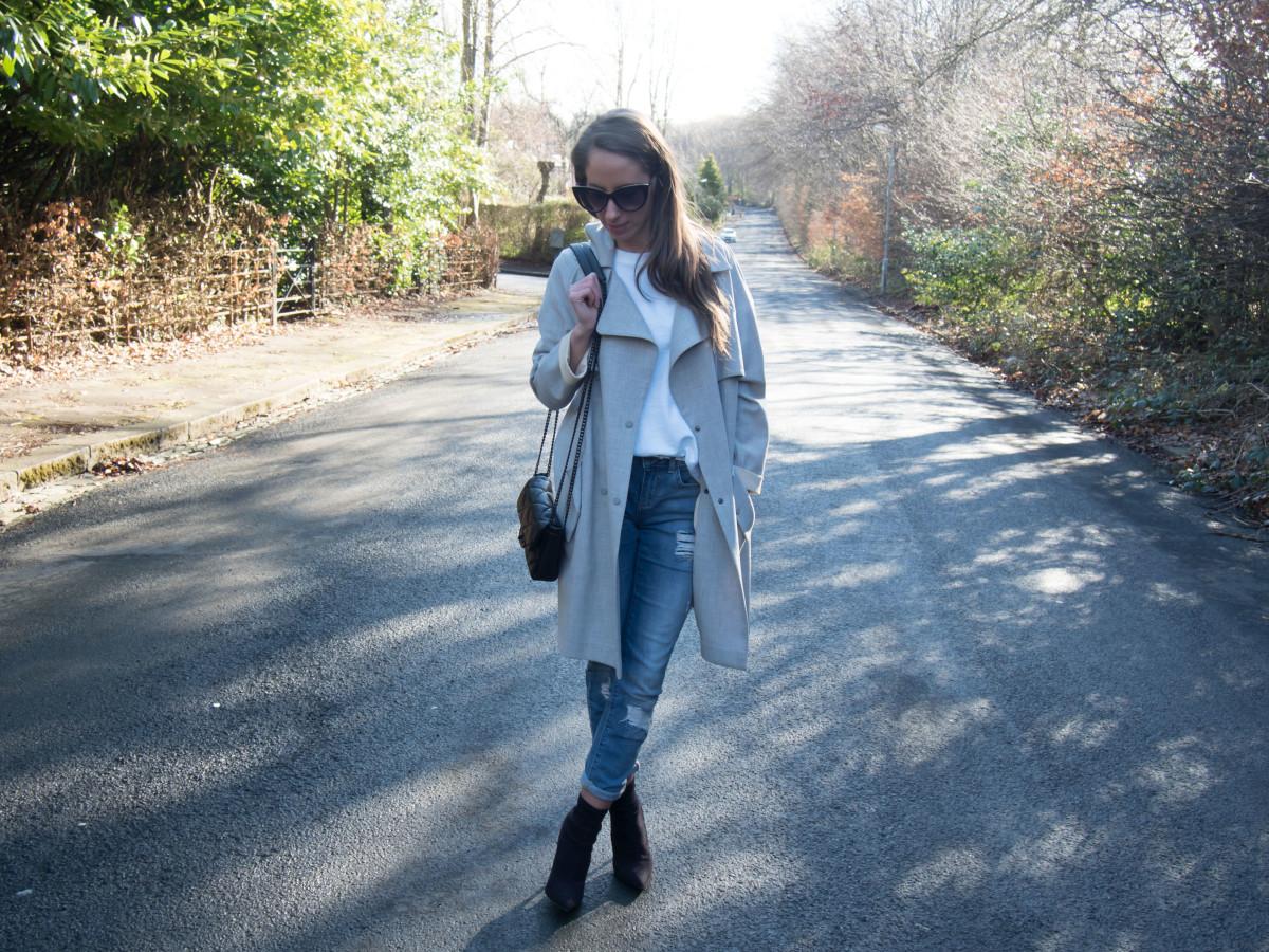 Petite-Paulina---Jeans-White-Tee-7