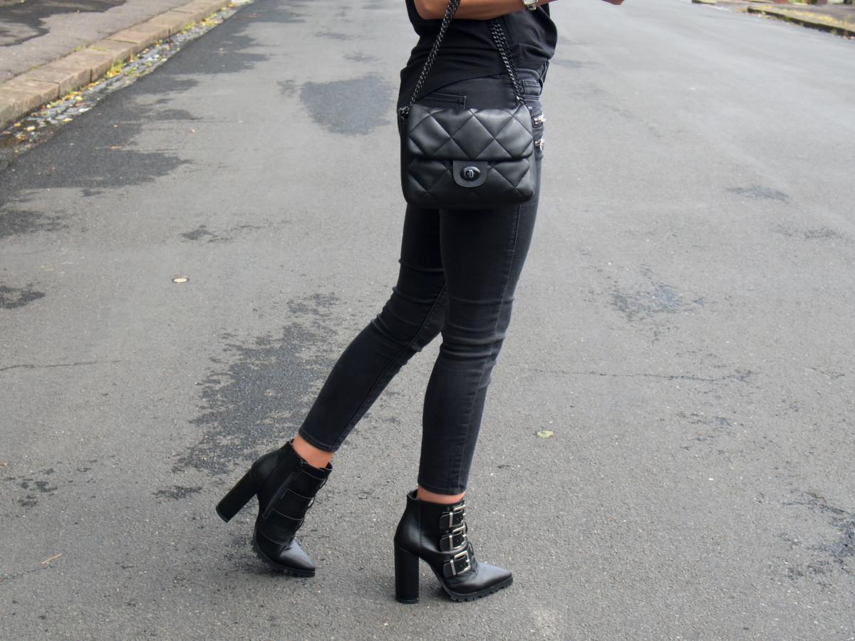 Petite-Paulina---ASOS-Chunky-Boots-41
