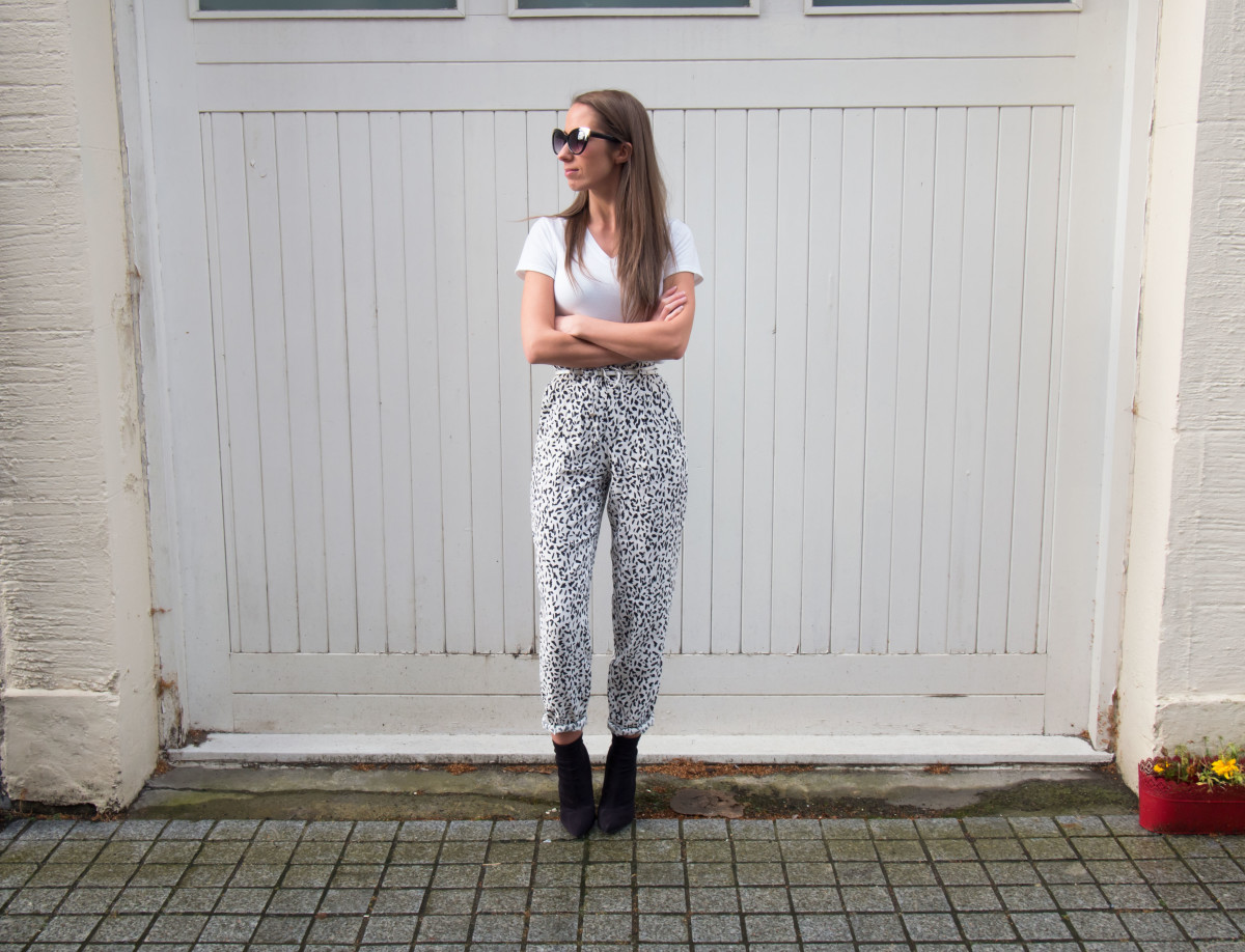 Petite-Paulina---Zara-Black-&-White-Trousers-21