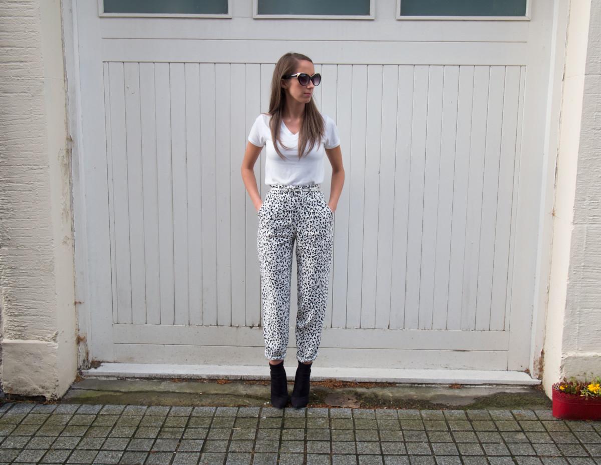 Petite-Paulina---Zara-Black-&-White-Trousers-24