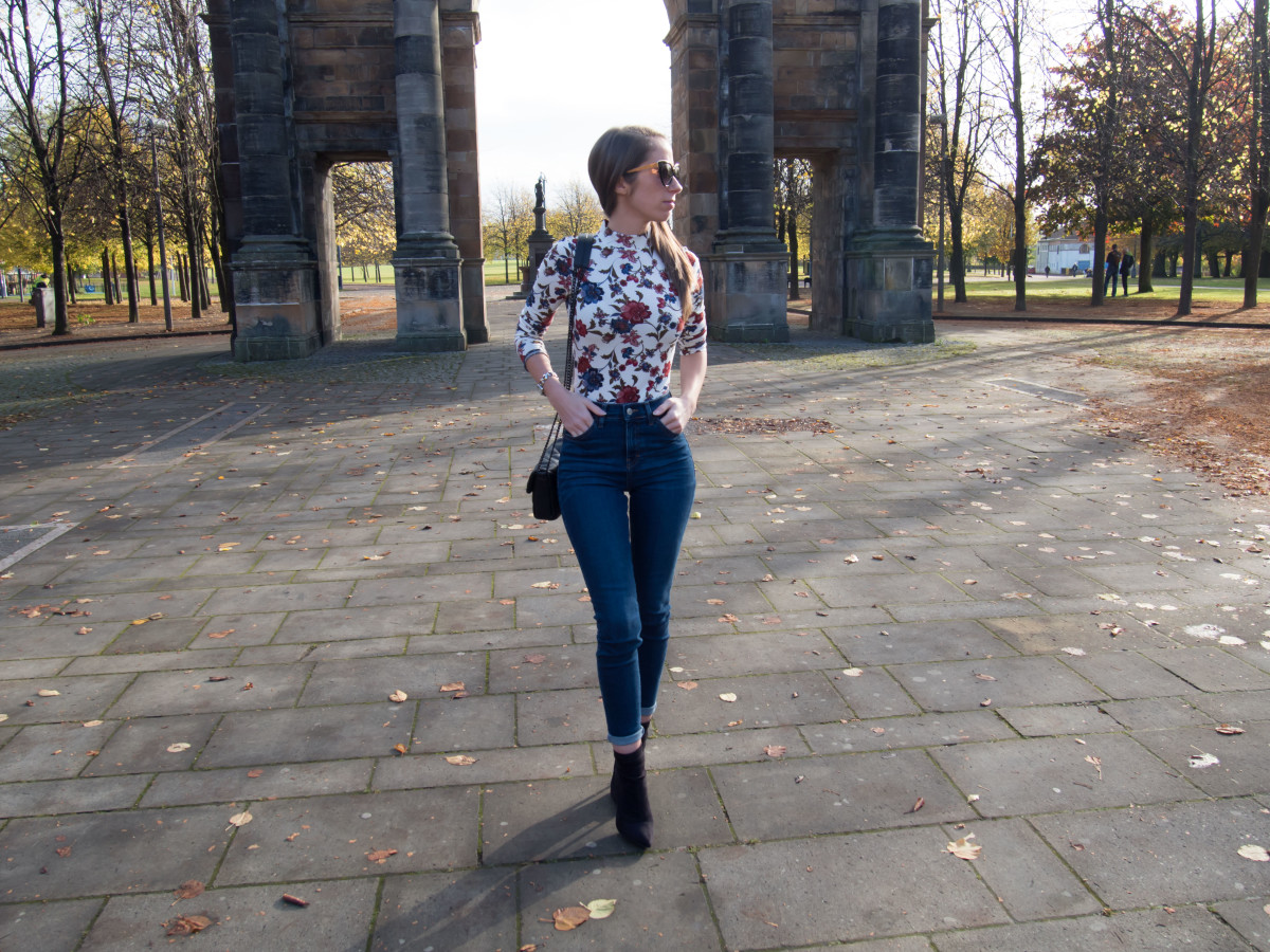 petite-paulina-forever-21-floral-bodysuit-38